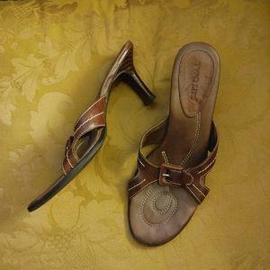 """Brown leather 3"""" heels"""